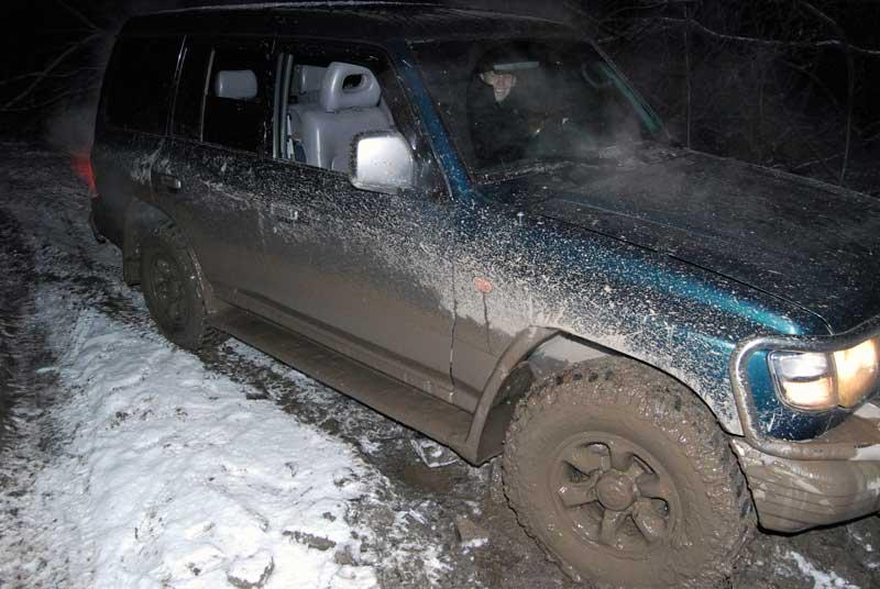 Вытащили машину из грязи